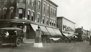 The Lincoln Highway cut though Rochelle, Ill. - 1922 (Courtesy Lincoln Highway Association)